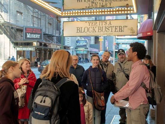 Walks-NYC-Broadway-183