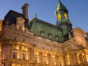 Canada_Montreal_Gray Line_Montreal City Hall