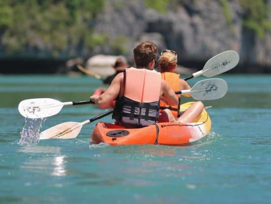 Kayak_123RF_10681021_ML