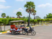 cambodia remork tuk tuk tonle sap