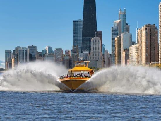USA_Chicago_Lake Michigan airboat fun