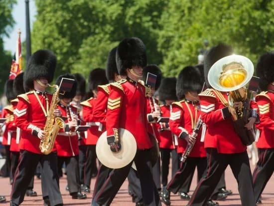 Guard Mounting Ceremony, buckingham palace