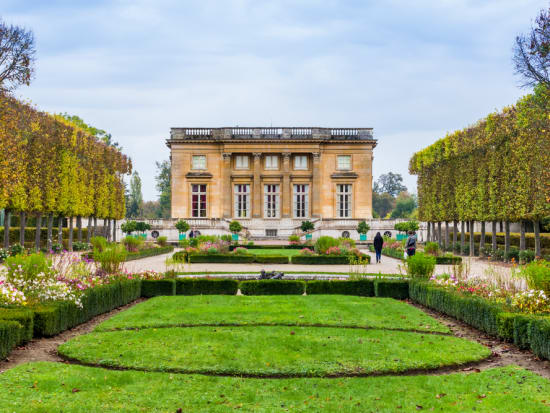 Palace of Versailles Guided Tour from Paris