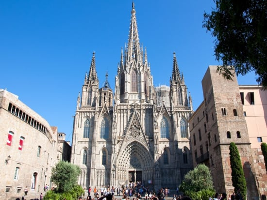 Spain_Barcelona_Cathedral of the Holy Cross and Saint Eulalia_shutterstock_123051379