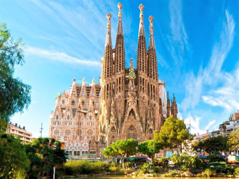 Sagrada Familia Tours Barcelona Tours Activities Fun Things To Do In Barcelona Veltra