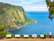 US_Hawaii_Waipio Lookout_shutterstock_523767727