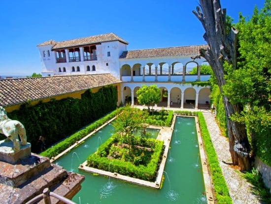 alhambra palace guided tour with alcazaba nasrid palaces