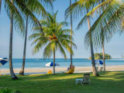 Indonesia_Bintan_Island_Tropical_Beach_shutterstock_282603836