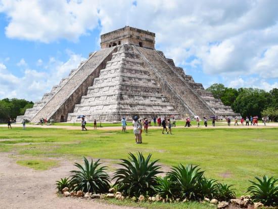 Mexico_Yucatan_Chichen_Itza_shutterstock_679145509