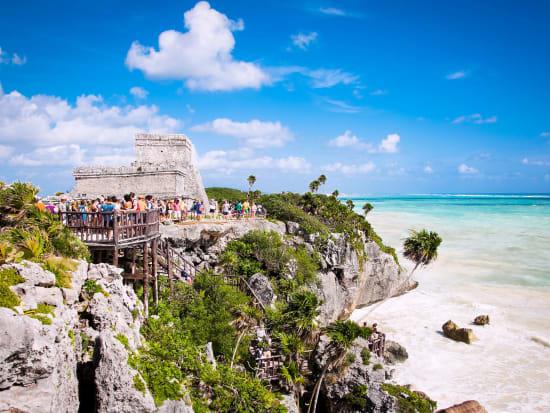 Mexico_Yucatan_Mayan_Ruins_of_Tulum_shutterstock_358115165