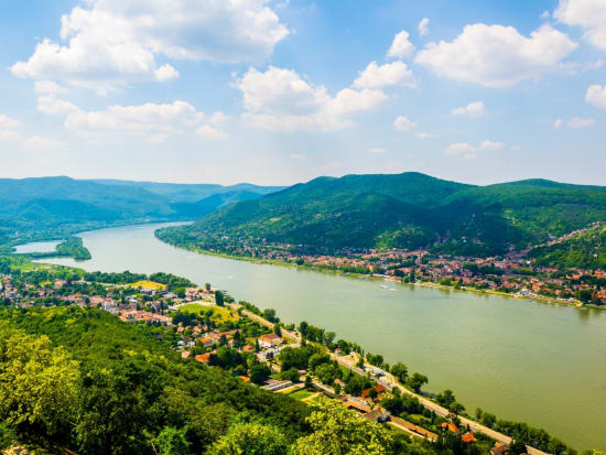 Hungary_Pest_Danube Bend