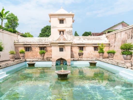 Indonesia_Yogyakarta_water_palace_shutterstock_514980040