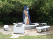 マンガン山収容所記念碑