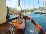 Premium Sailing Experience with Vermouth and Music (6)