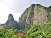 Hawaii_Maui_Iao_Valley_Needle_shutterstock_491712736