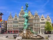 Belgium-Antwerp-Grote-Markt-Silvius-Brabo-statue