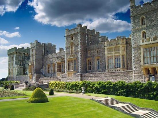 windsor castle bath and stonehenge full day tour from. Black Bedroom Furniture Sets. Home Design Ideas