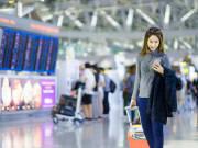 Woman_Airport_shutterstock_562910554