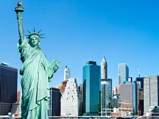 USA_New York_Manhattan_the Statue of Liberty_123 RF_23548983_L