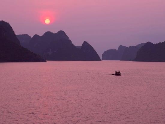 sunset-halong-bay