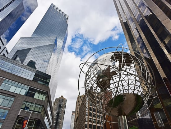 USA_New York_Globe_Skyscrapers_Columbus Circle_shutterstock_512898973
