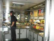 Amtrak_cafe_car_2