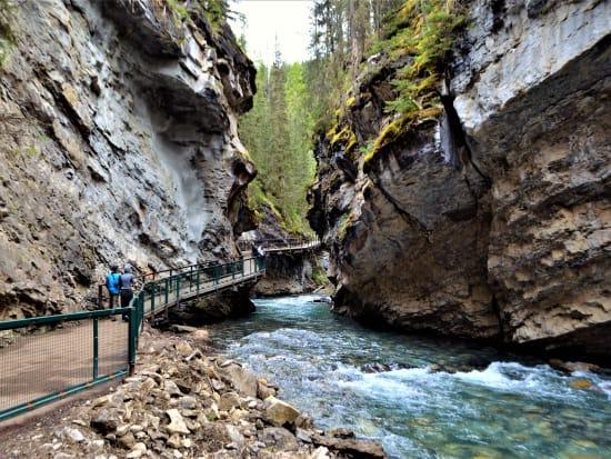 Canada_Banff_Johnston Canyon_shutterstock_527038360