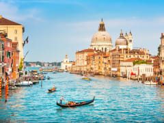 Italy_Venice_Grand Canal_shutterstock_151614494