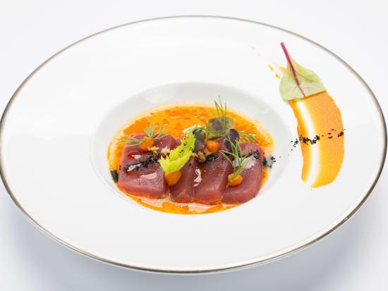 Sashimi di tonno rosso, avocado affumicato e ceviche di rocoto
