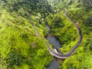USA_Hawaii_Hana-Road_shutterstock_679865926