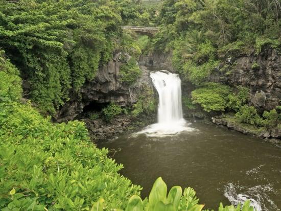 USA_Hawaii_Hana-Waterfalls_123RF_80237190_ML