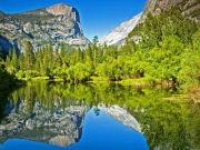 ミラーレイク 山が水面に映る様はまさに芸術!