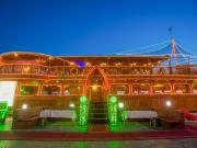 Dubai_Rustar Floating Restaurant_dhow-dubai