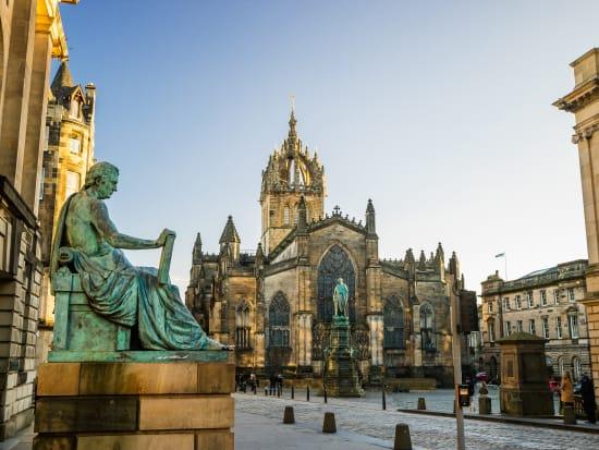 Edinburgh_shutterstock_379879033