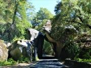 USA_California_Yosemite_National_Park_Arch_Rock_Entrance_shutterstock_707427061