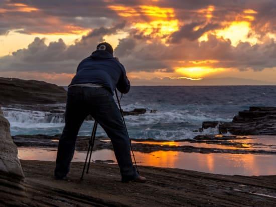 Hawaii_Oahu_Photography Tours_Sunset camera man
