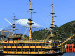 Japan_Mt Fuji_Lake Ashi