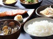 Japan_Generic_Japanese_Teishoku_Breakfast_Shutterstock_653461597