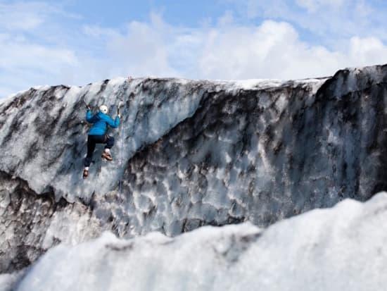 D 2009 -Glacier Hiking on Solheimajokull - Blue Iceimg_7574_ElliThor_preview