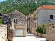 Croatia_Ston_shutterstock_738958261