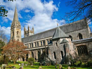 Wales_Cardiff_Llandalf-Cathedral_shutterstock_636775432