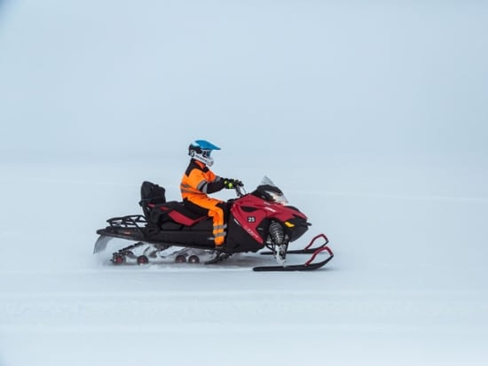Snowmobiling-tour-Langjokull-glacier-Iceland49_preview