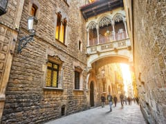 Spain_Barcelona_Gothic Quarters_shutterstock_565557064