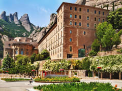Spain_Montserrat_Monastery_13048914_ML