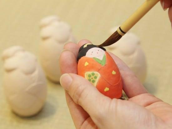 Hakata doll painting in Suito Fukuoka