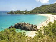 Hawaii_Oahu_North Shore_Waimea Bay_shutterstock