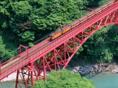黑部峡谷小火车1