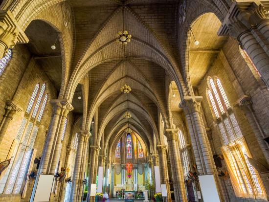 NhaTrang_Cathedral_inside_267374795