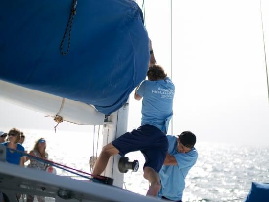 napali-coast-sailing-1-2
