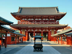 Japan_Sensoji_Temple_shutterstock_270412484
